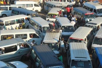 Chapa traffic jam in Maputo commons.wikimedia.org